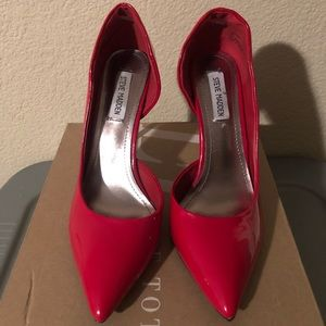 🔥Red Patent Leather Pumps 👠